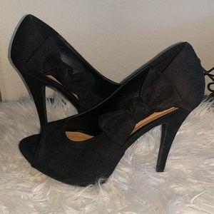 Xhilaration black side now heels